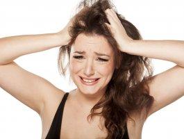 头皮屑多是什么原因?(看完这个你就明白了)