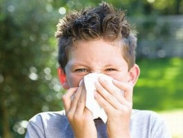 小孩流鼻涕最简单的解决方法?诸葛医生教你这样做