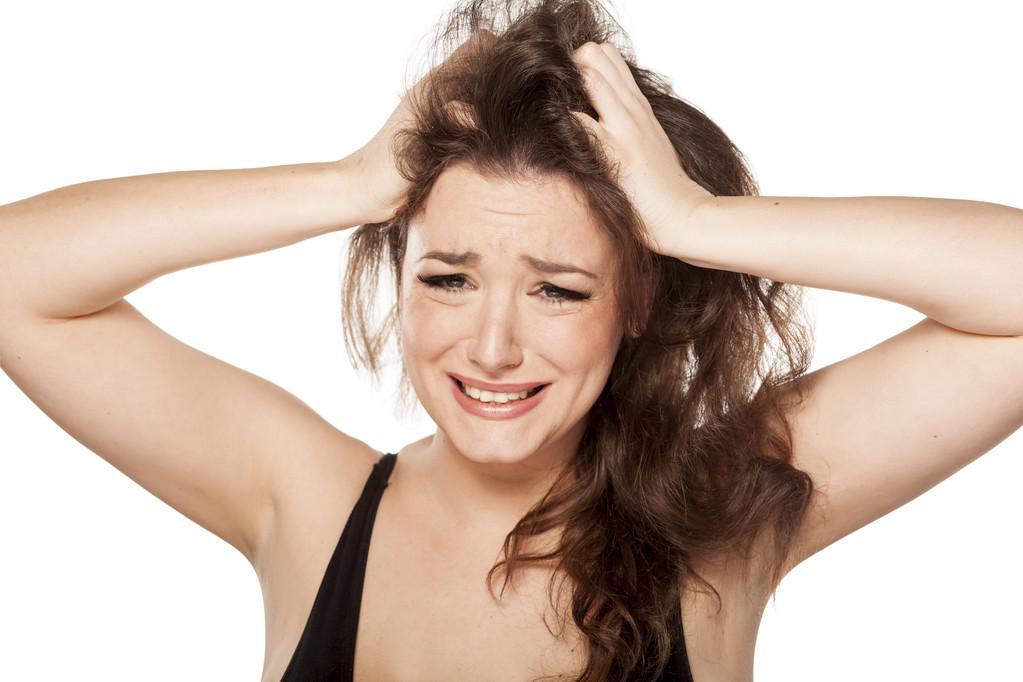 头皮屑多是什么原因?(看完这个你就明白了) 第1张