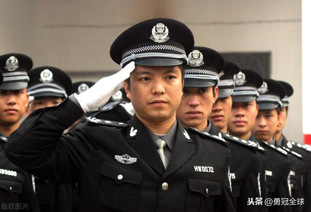 退役士兵如何当上警察?有哪些优势和途径?(看完这个你就懂了) 第1张
