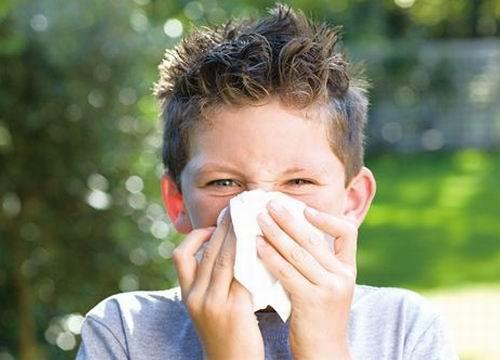小孩流鼻涕最简单的解决方法?诸葛医生教你这样做 第1张