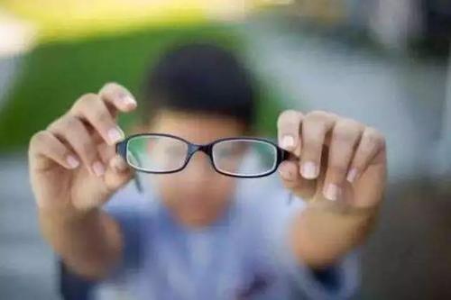 视力多少才能算正常? 第1张