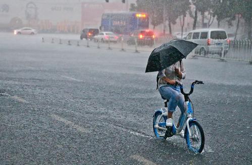 人在自然灾害面前是无能为力的 第1张